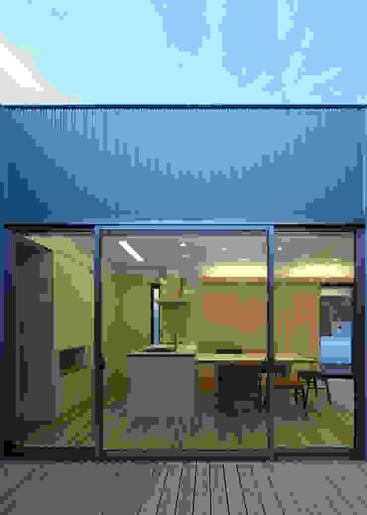 庭 モダンな庭 の 那波建築設計 NABA architects モダン