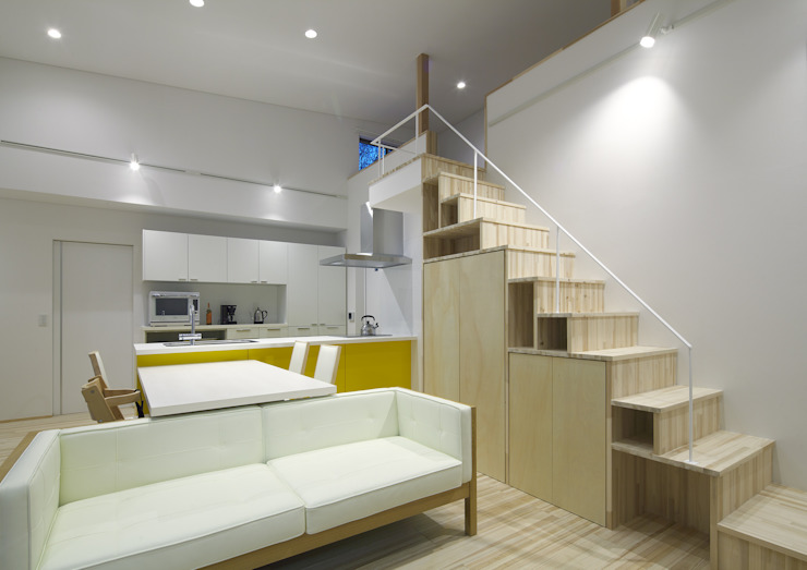 Modern living room by 那波建築設計 NABA architects Modern