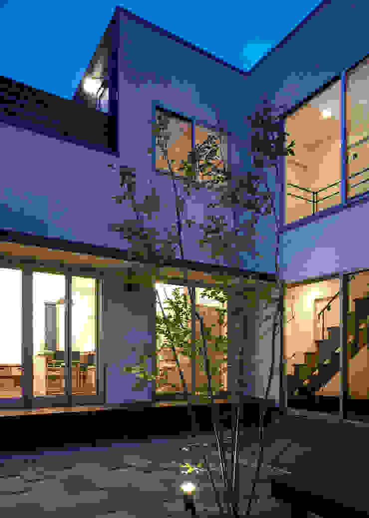 中庭 モダンな庭 の 那波建築設計 NABA architects モダン