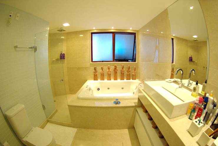 Apartment in Recife, Brazil Modern bathroom by André Cavendish e Arquitetos Modern