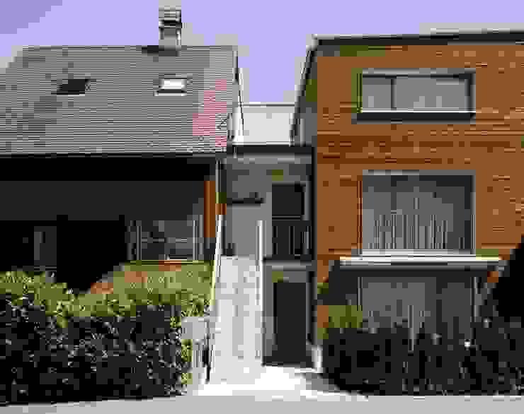บ้านและที่อยู่อาศัย โดย hwp ARCHITEKTEN AG, ผสมผสาน