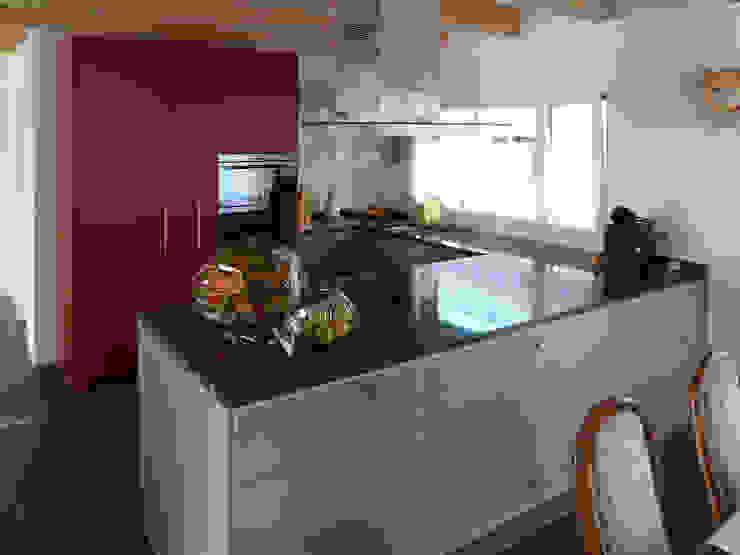 ห้องครัว โดย hwp ARCHITEKTEN AG, ผสมผสาน