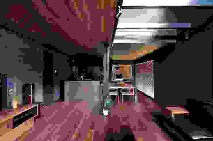 リビング&ダイニングキッチン: アトリエセッテン一級建築士事務所が手掛けたリビングです。,モダン