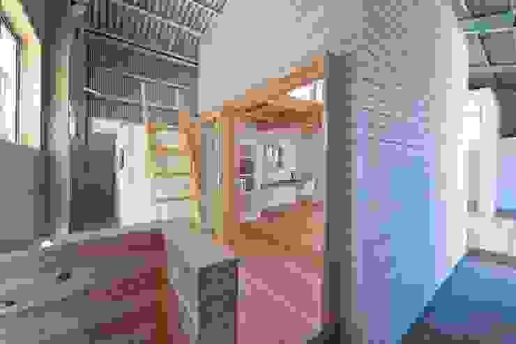 アトリエセッテン一級建築士事務所 Kantor & Toko Modern