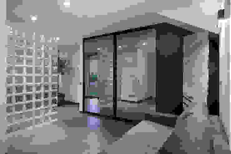 Комната для гостей. Гардеробная в стиле минимализм от (DZ)M Интеллектуальный Дизайн Минимализм