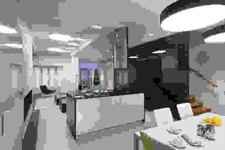 Кухня-столовая Кухня в стиле минимализм от (DZ)M Интеллектуальный Дизайн Минимализм