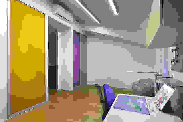 Детская на вырост. Детская комнатa в стиле минимализм от (DZ)M Интеллектуальный Дизайн Минимализм