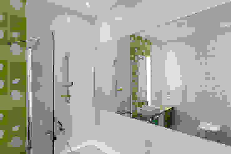 Ванная комната при детской Ванная комната в стиле минимализм от (DZ)M Интеллектуальный Дизайн Минимализм