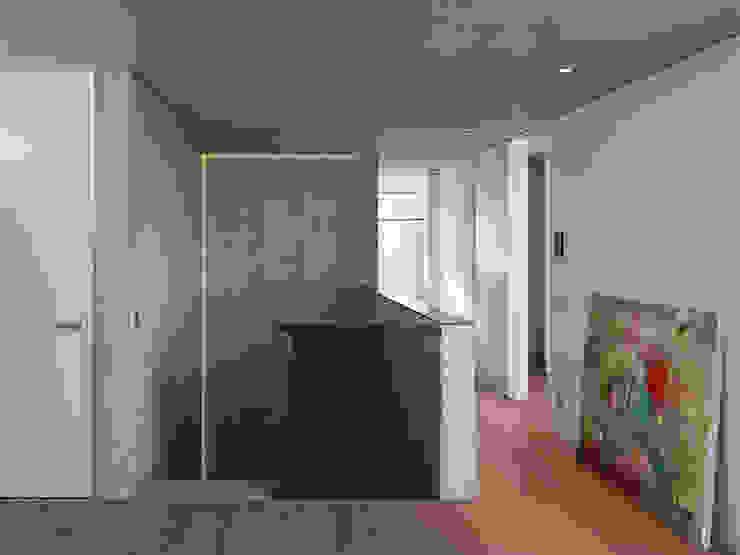 Pasillos y vestíbulos de estilo  por AMP Architekten