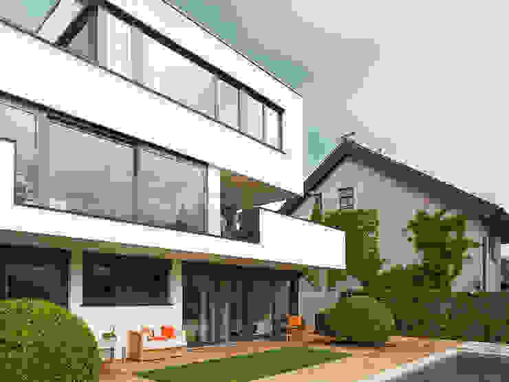 HAUS IN WEIL DER STADT Minimalistische Häuser von AMP Architekten Minimalistisch