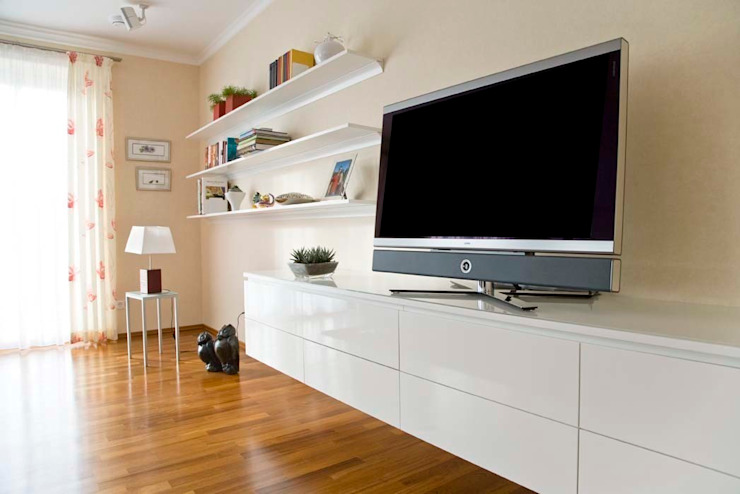 TV-Möbel - Hängeboard von schrankwerk.de   homify