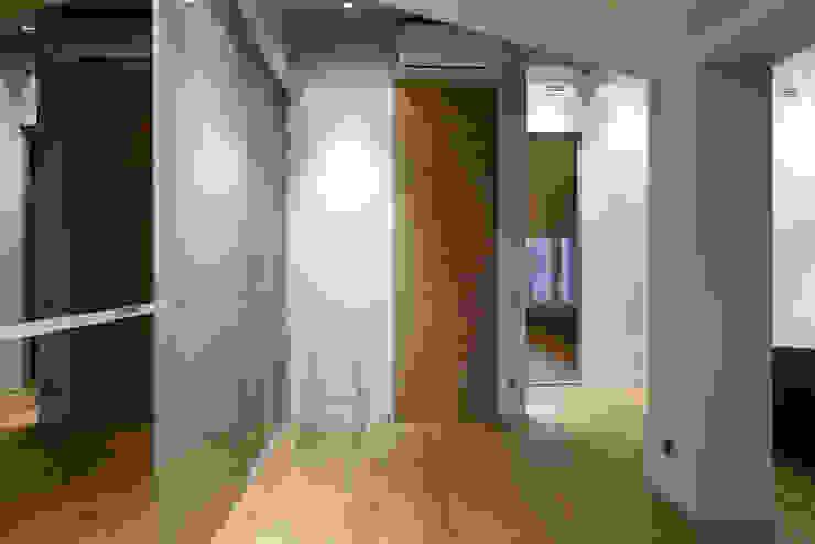 Спальня Спальня в стиле минимализм от (DZ)M Интеллектуальный Дизайн Минимализм