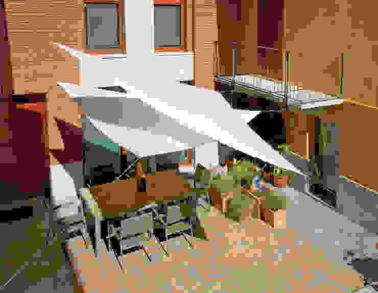 modern  by El Jardín de Ana, Modern