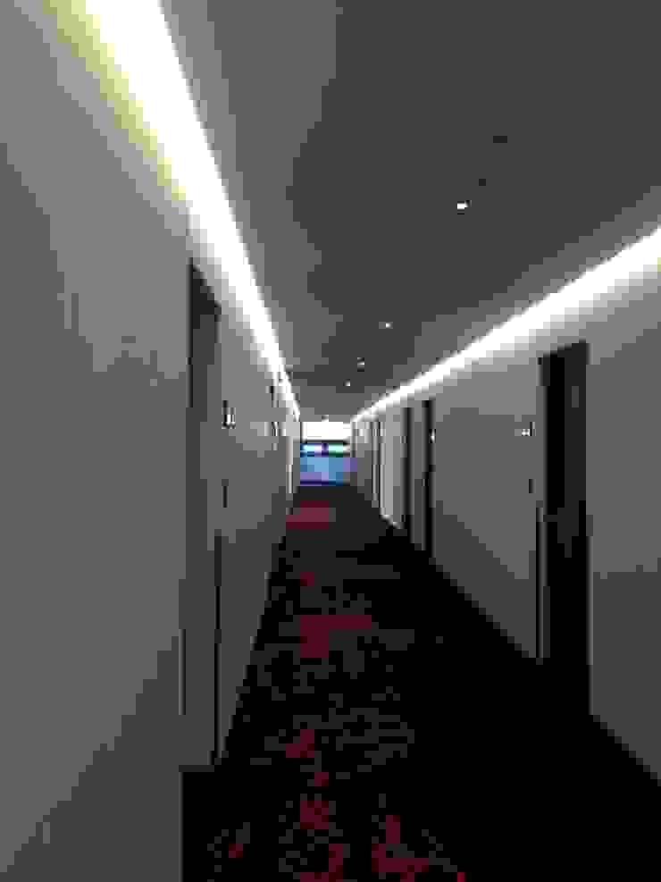 ADF Architects Hospitals Cotton Metallic/Silver