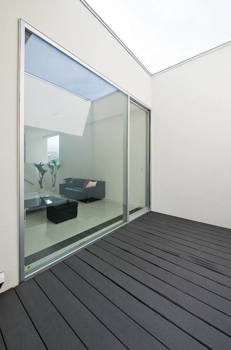 Modern Balkon, Veranda & Teras 株式会社コウド一級建築士事務所 Modern