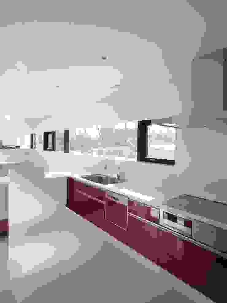 Modern style kitchen by 株式会社コウド一級建築士事務所 Modern