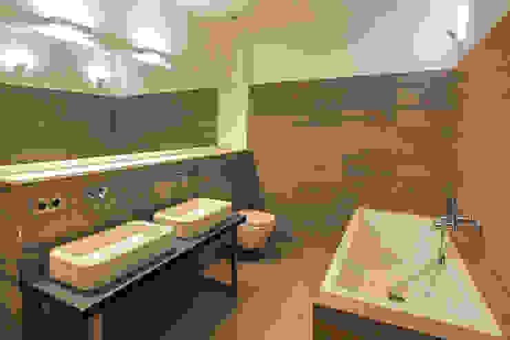 16elements GmbH Modern Bathroom
