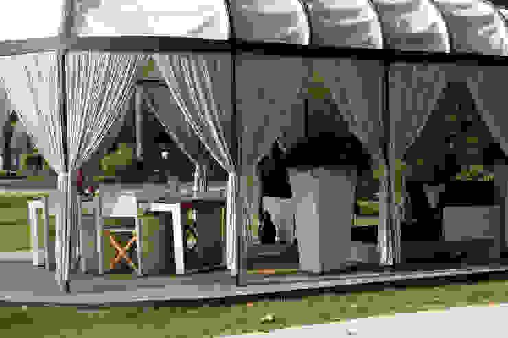 La struttura nel dettaglio Balcone, Veranda & Terrazza in stile classico di Odue Modena - Concept Store Classico