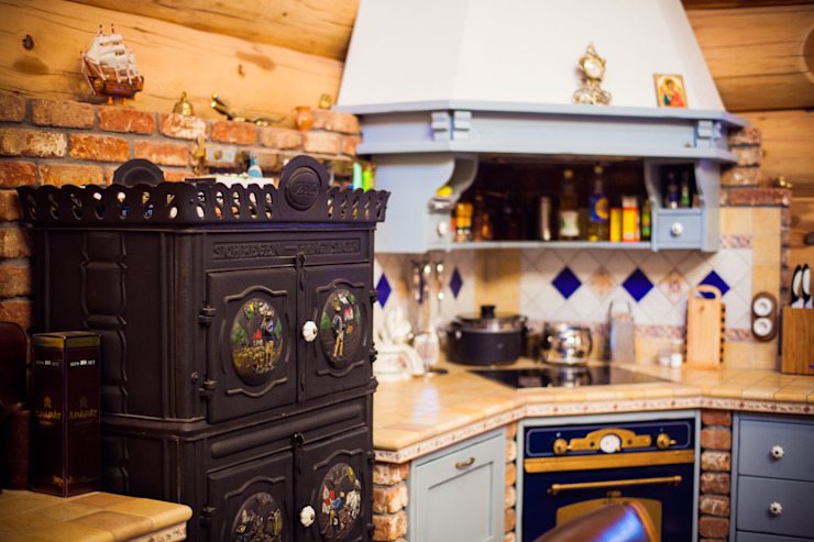 Rustic style kitchen by Роял Вуд Rustic