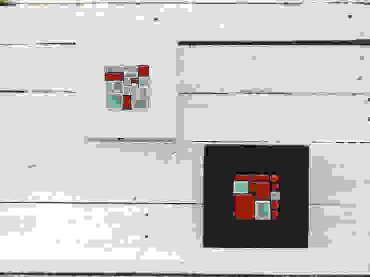 Mini mural mosaico turquesa y rojo. de Lápiz de porcelana Moderno