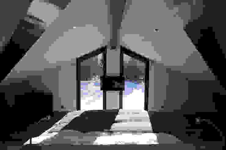 Chevallier Architectes Modern style bedroom