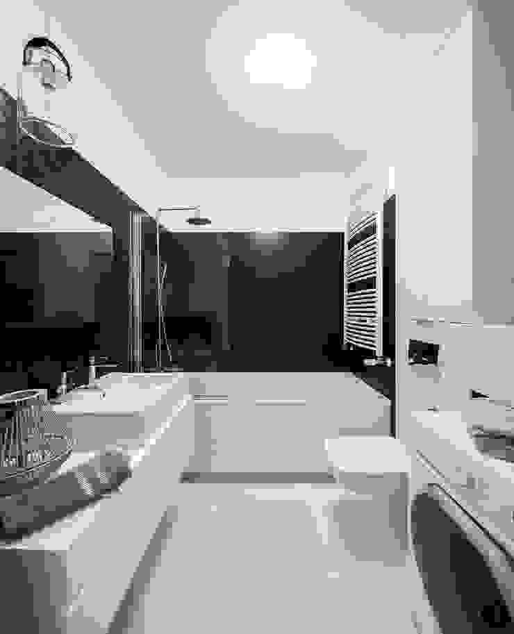 Biało- czarny styl Nowoczesna łazienka od Urządzamy pod klucz Nowoczesny
