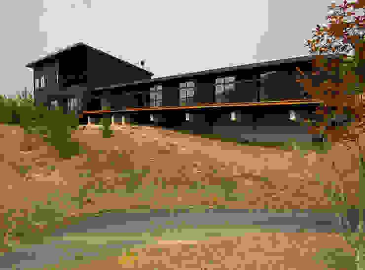 兵庫県佐用町の別荘 一級建築士事務所アールタイプ モダンな 家