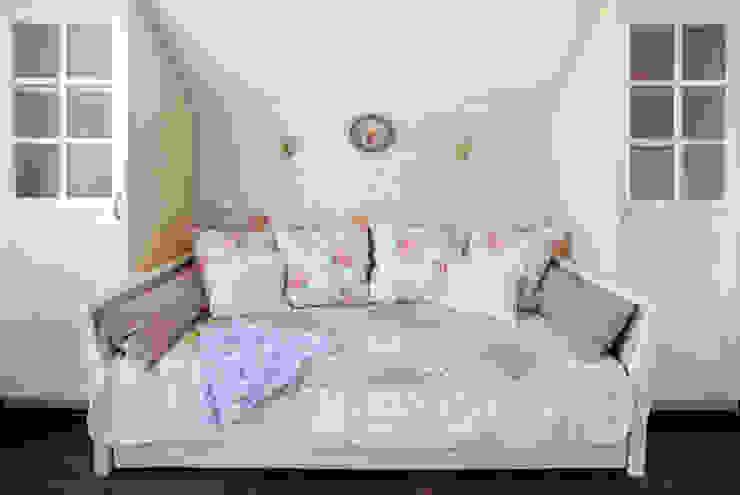 Частный дом в г. Колпино Детская комнатa в классическом стиле от Ivory Studio Классический