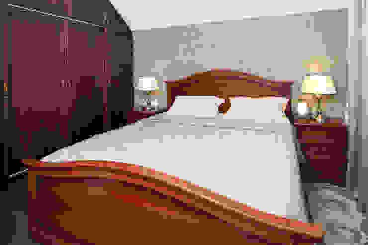 Частный дом в г. Колпино Спальня в классическом стиле от Ivory Studio Классический