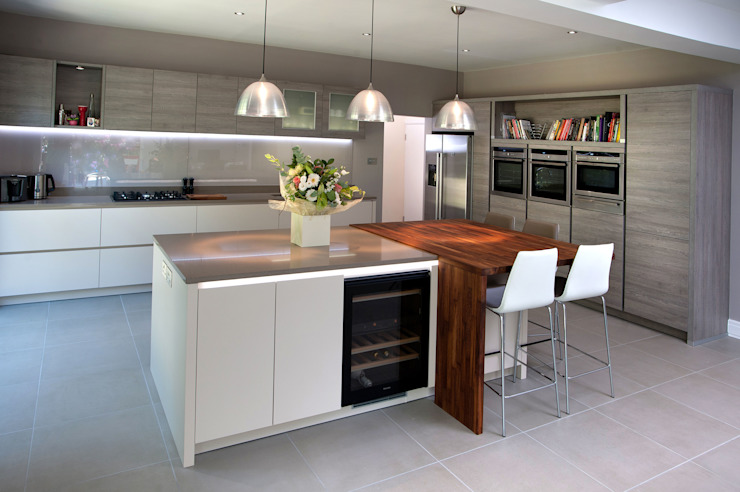 The Drive Modern kitchen by Haus12 Interiors Modern