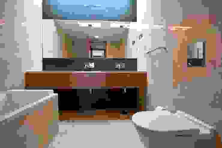 Casa SG: Casas de banho  por Atelier Lopes da Costa,Moderno
