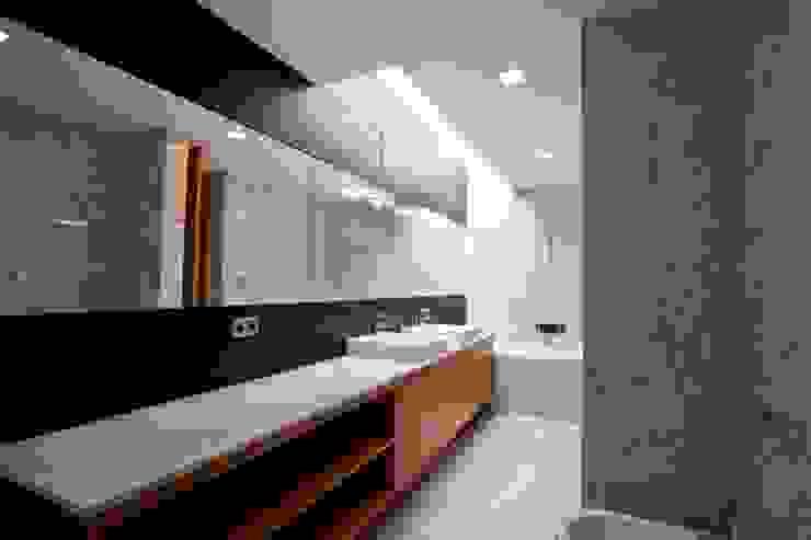 Casa SG Casas de banho modernas por Atelier d'Arquitetura Lopes da Costa Moderno