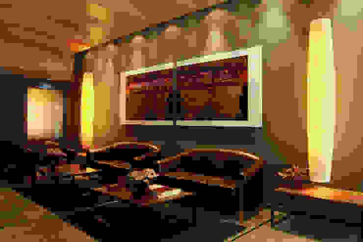 Entrada Hoteles de estilo moderno de Gramil Interiorismo II - Decoradores y diseñadores de interiores Moderno