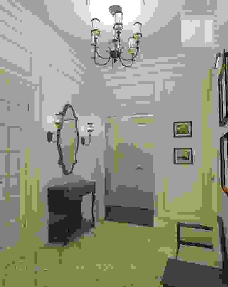 Classic corridor, hallway & stairs by Orlova Home Design Classic