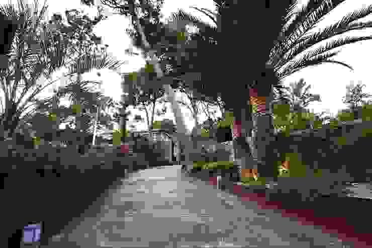 Estudio de paisajismo 2R PAISAJE Mediterranean style garden