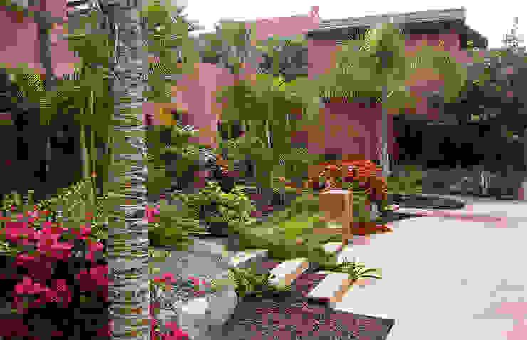 Tropische tuinen van Estudio de paisajismo 2R PAISAJE Tropisch