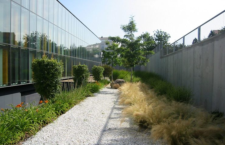 Jardines de estilo mediterráneo de Estudio de paisajismo 2R PAISAJE Mediterráneo