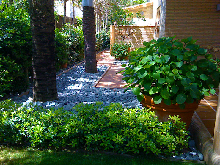 Jardins mediterrâneos por Estudio de paisajismo 2R PAISAJE Mediterrâneo