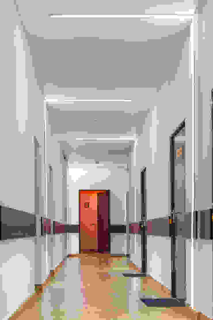 Гостиница <q>Гранд Виктория</q>. Москва, Серпуховка Гостиницы в стиле минимализм от SpacePlace Минимализм