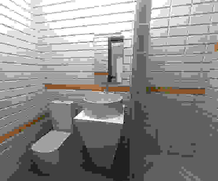 Гостиница <q>Гранд Виктория</q>. Москва, Серпуховка Ванная комната в стиле минимализм от SpacePlace Минимализм
