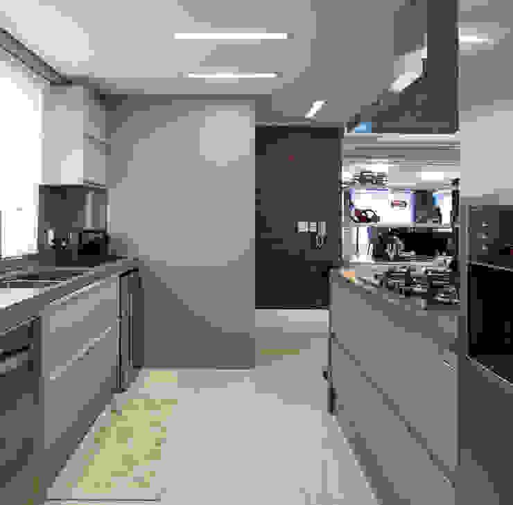AREA SOCIAL Cozinhas modernas por Adriane Cesa Arquitetura Moderno