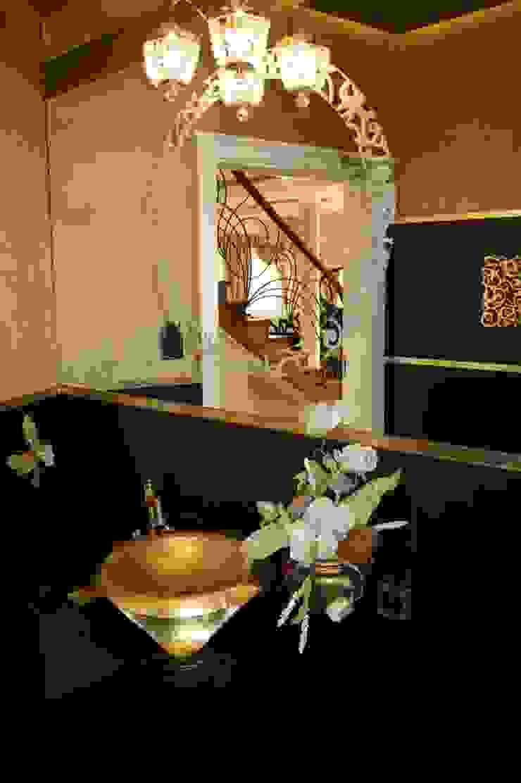 1Architekt Magdalena Mirek-Roszkowska Colonial style bathrooms