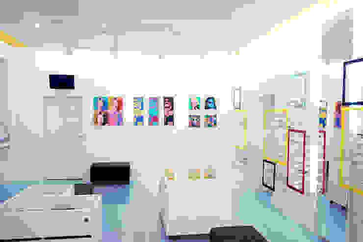 торговый зал Офисы и магазины в стиле минимализм от artemuma - архитектурное бюро Минимализм