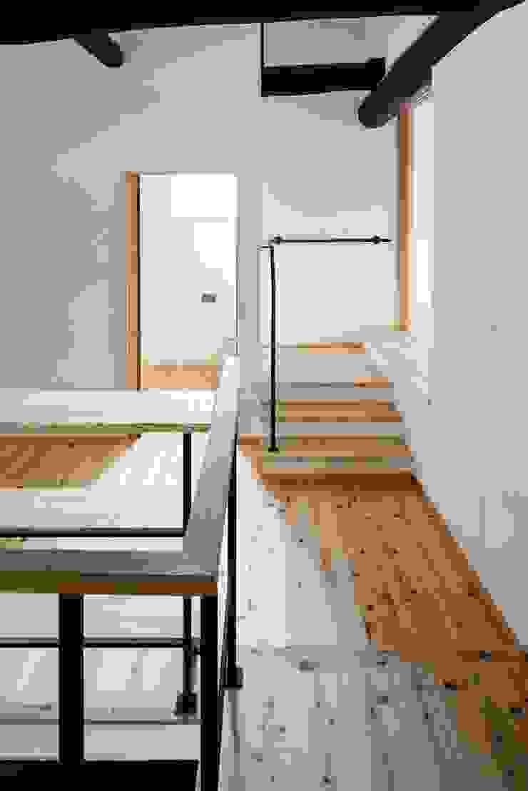 花しょうぶ通りの家・ステップ 和風の 玄関&廊下&階段 の タクタク/クニヤス建築設計 和風