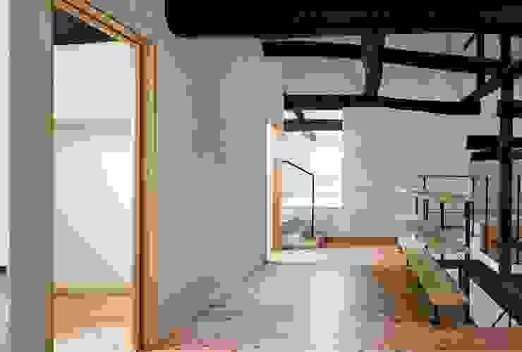 花しょうぶ通りの家・寝室 和風デザインの 多目的室 の タクタク/クニヤス建築設計 和風