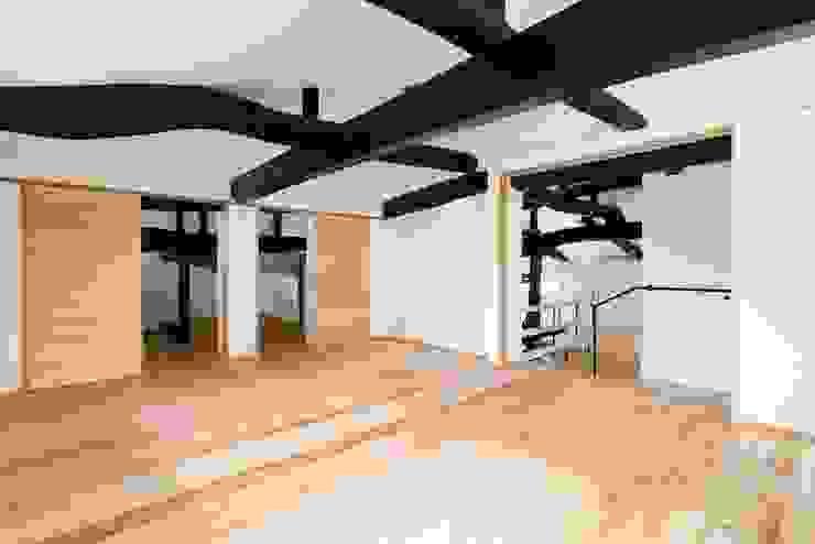 花しょうぶ通りの家・寝室: タクタク/クニヤス建築設計が手掛けた寝室です。,和風