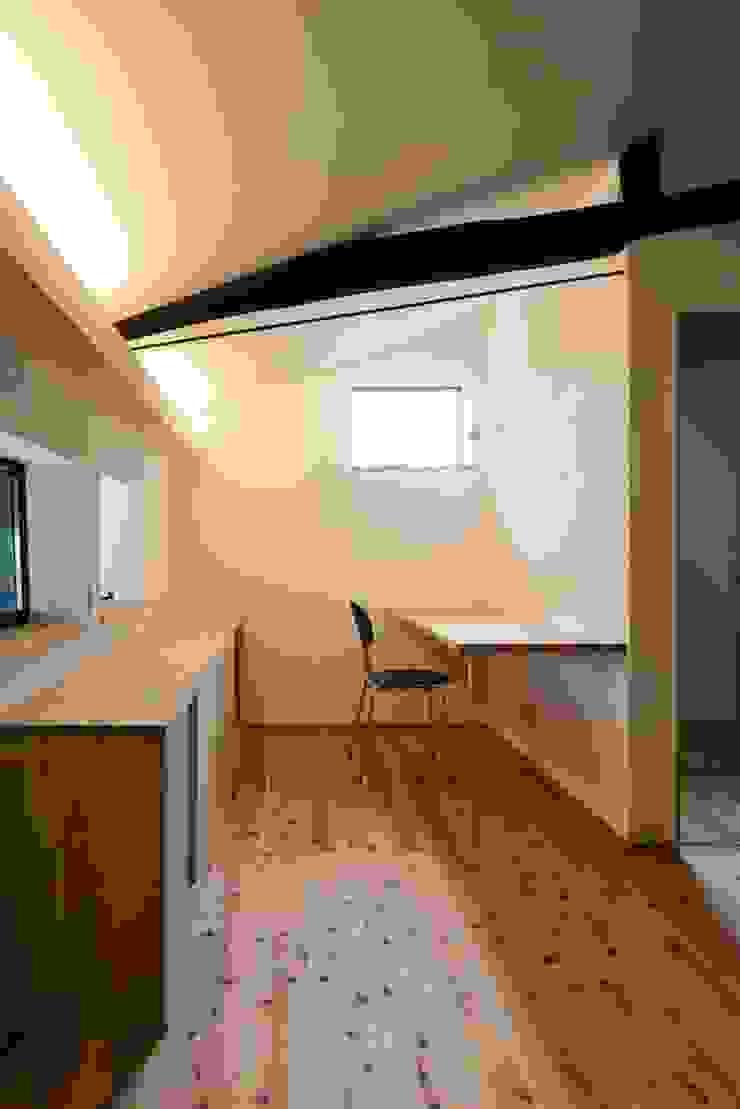 花しょうぶ通りの家・書斎 和風デザインの 書斎 の タクタク/クニヤス建築設計 和風