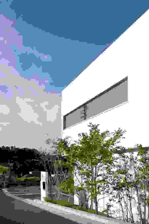久保田正一建築研究所 Casas de estilo moderno