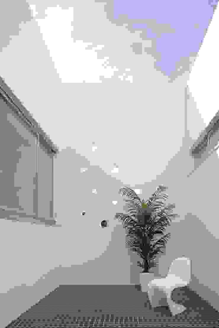 久保田正一建築研究所 Jardines de estilo moderno