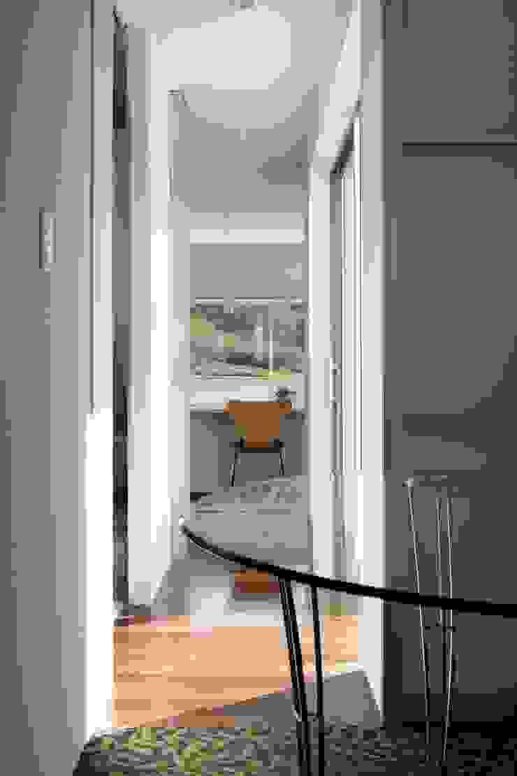 久保田正一建築研究所 Dormitorios de estilo moderno